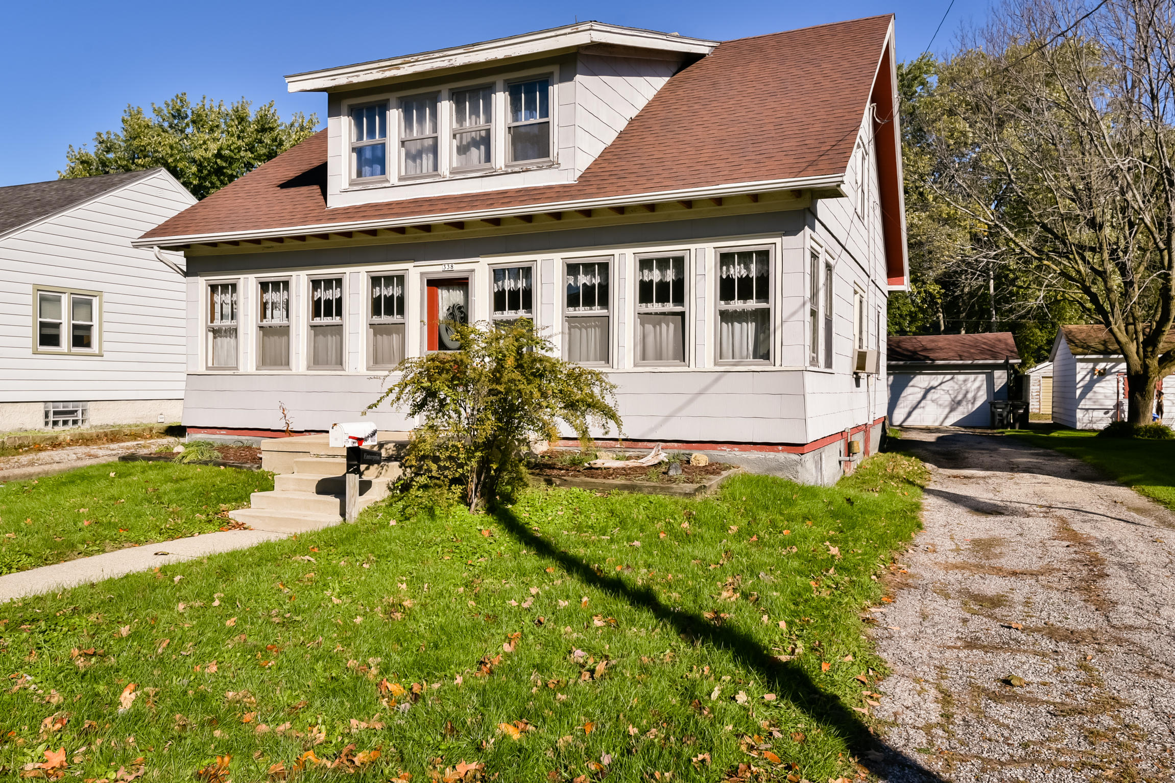 338 5th St, Oconomowoc, Wisconsin 53066, 3 Bedrooms Bedrooms, 7 Rooms Rooms,2 BathroomsBathrooms,Single-Family,For Sale,5th St,1610570