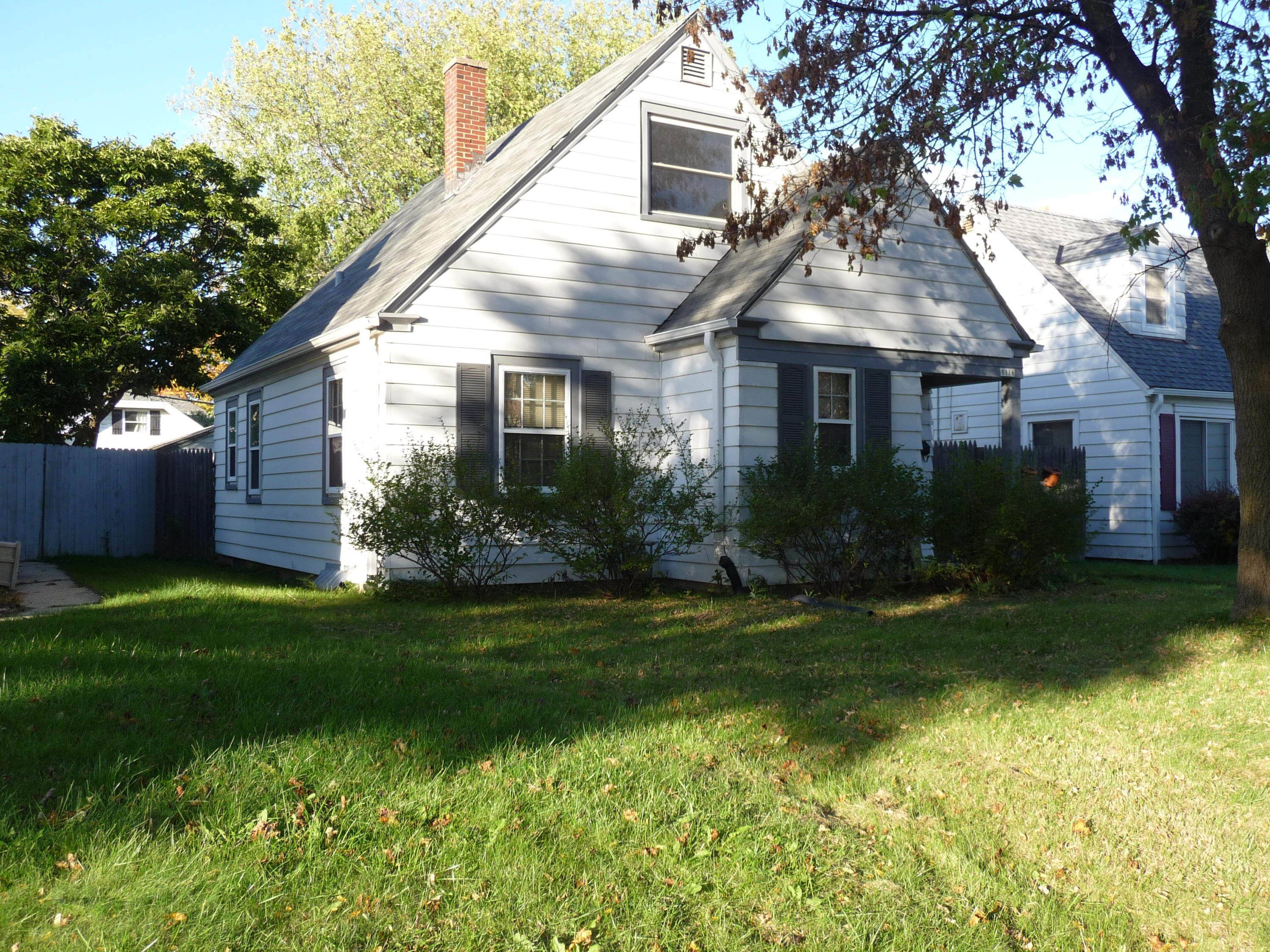 8116 Center ST, Milwaukee, Wisconsin 53222, 3 Bedrooms Bedrooms, 5 Rooms Rooms,1 BathroomBathrooms,Single-Family,For Sale,Center ST,1610577