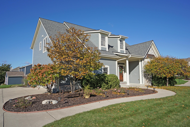 514 Wynnewood Ct, Waukesha, Wisconsin 53188, 4 Bedrooms Bedrooms, 10 Rooms Rooms,4 BathroomsBathrooms,Single-Family,For Sale,Wynnewood Ct,1610583