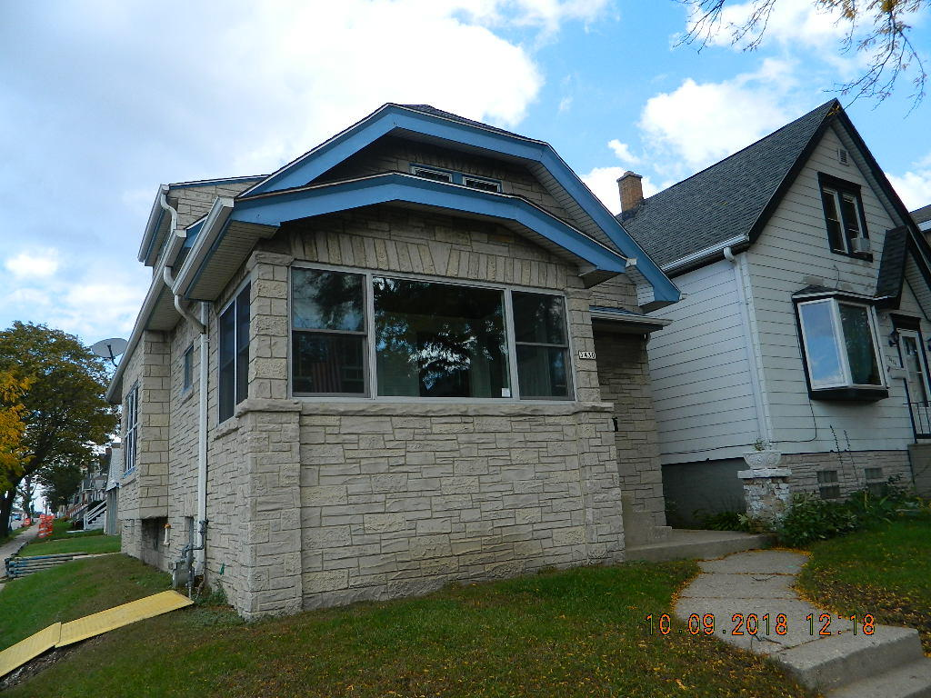 3430 Hayes Ave, Milwaukee, Wisconsin 53215, 4 Bedrooms Bedrooms, 7 Rooms Rooms,2 BathroomsBathrooms,Single-Family,For Sale,Hayes Ave,1610605