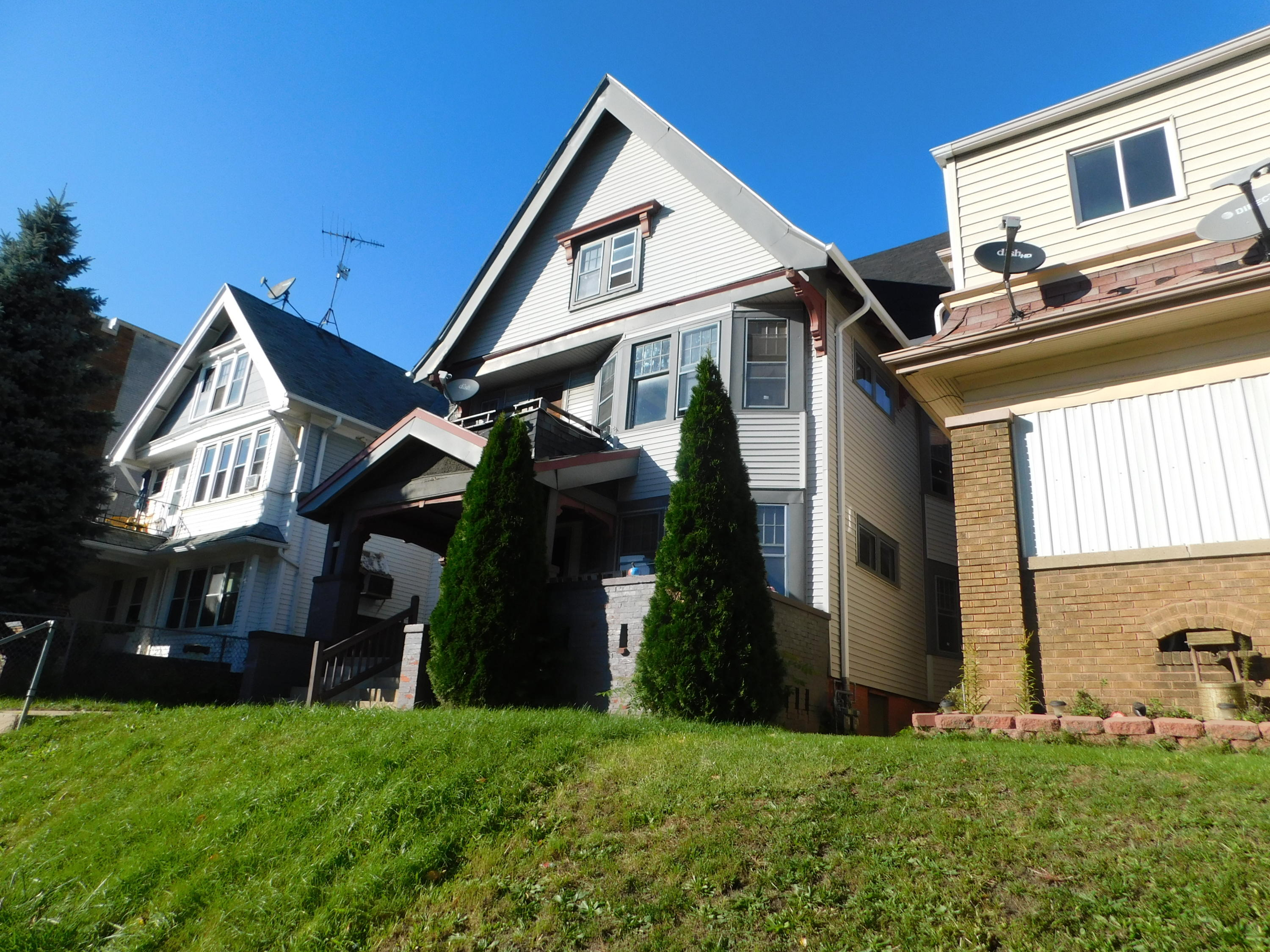 3110 NATIONAL AVE, Milwaukee, Wisconsin 53215, 3 Bedrooms Bedrooms, 6 Rooms Rooms,1 BathroomBathrooms,Two-Family,For Sale,NATIONAL AVE,1,1610839