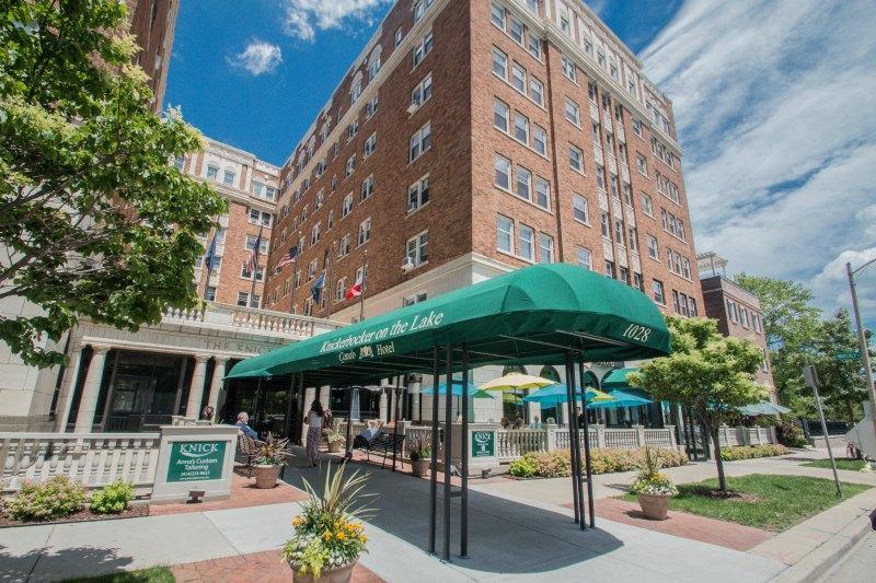 1028 Juneau Ave, Milwaukee, Wisconsin 53202, ,1 BathroomBathrooms,Condominiums,For Sale,Juneau Ave,3,1610681