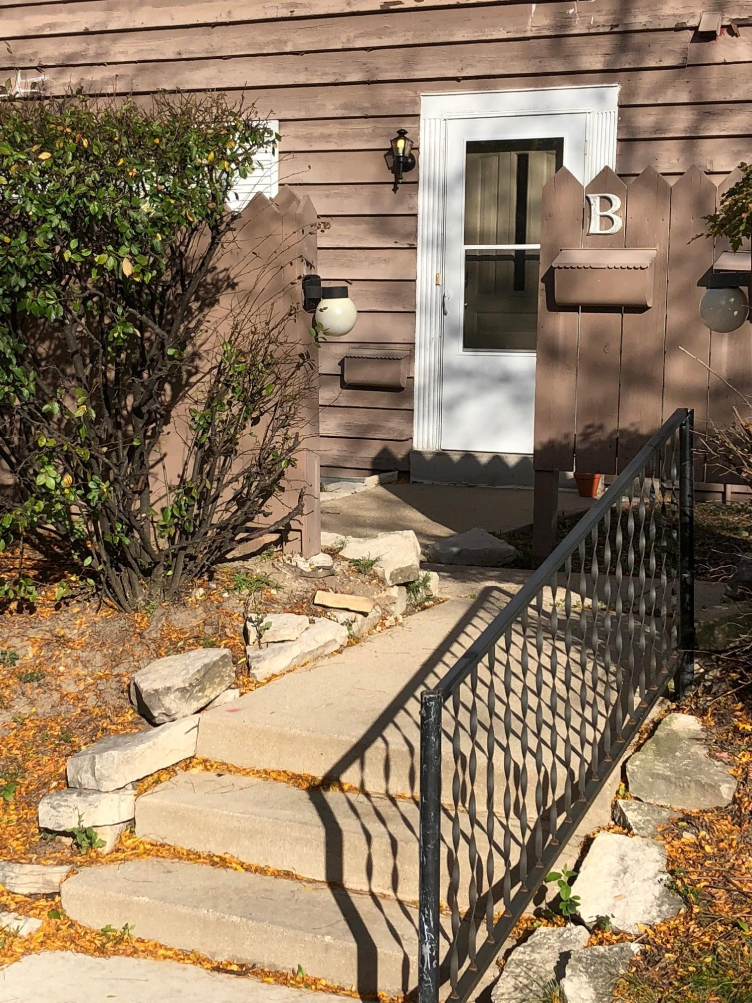 7817 60th St, Milwaukee, Wisconsin 53223, 3 Bedrooms Bedrooms, 6 Rooms Rooms,2 BathroomsBathrooms,Condominiums,For Sale,60th St,1,1610761