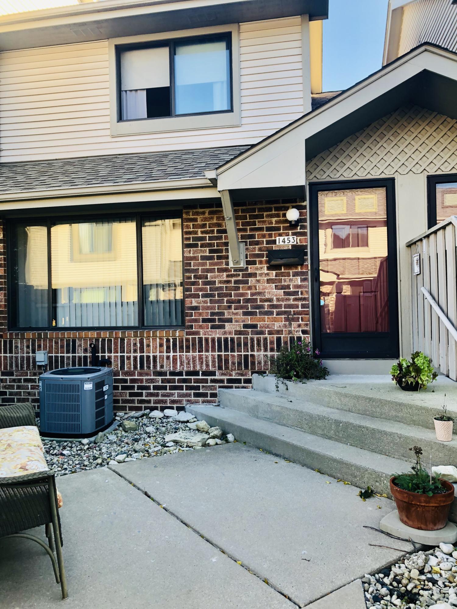 1453 28th Ct, Kenosha, WI 53140 - SOLD LISTING, MLS # 1611033 | Keefe Real  Estate