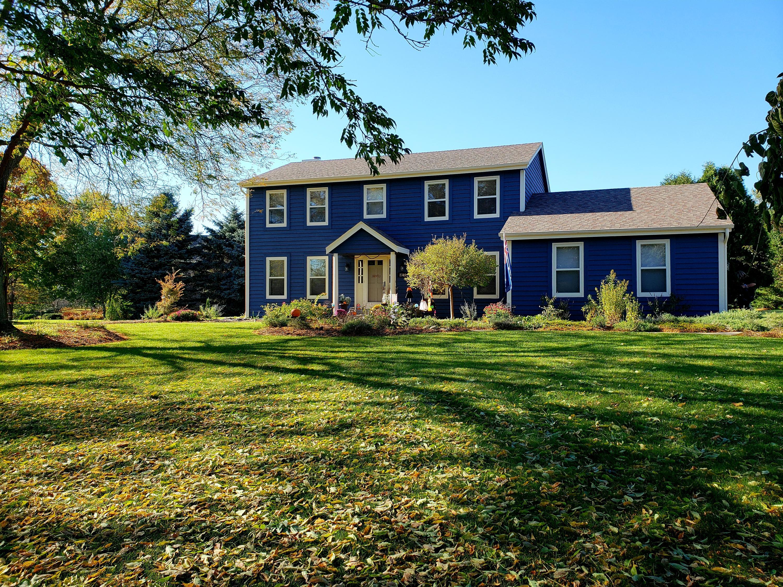 2319 Hillcrest Dr, Delafield, Wisconsin 53018, 3 Bedrooms Bedrooms, ,2 BathroomsBathrooms,Single-Family,For Sale,Hillcrest Dr,1612142