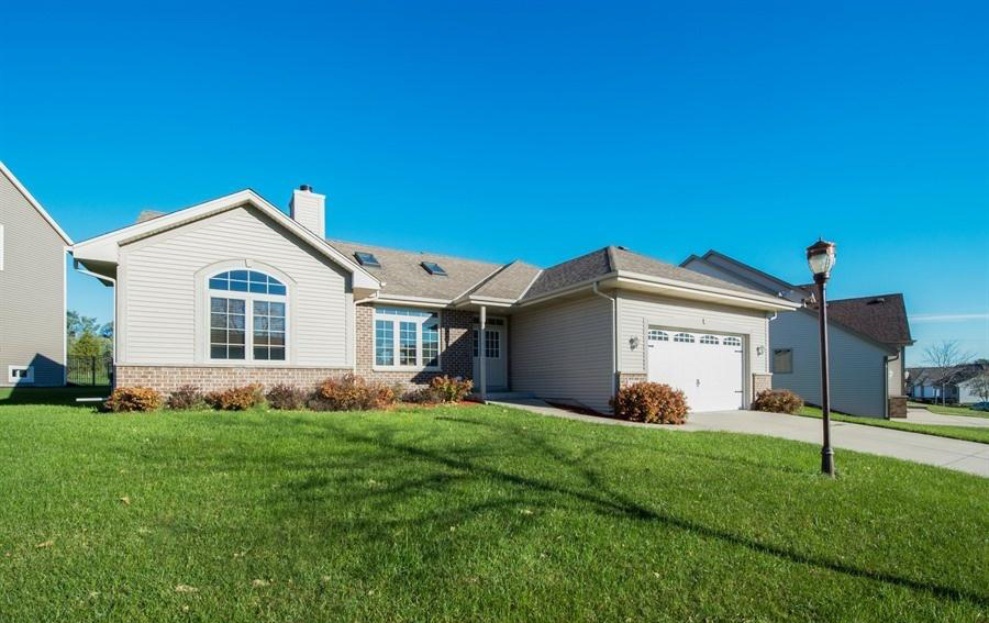 2108 Patrick Ln, Waukesha, Wisconsin 53188, 3 Bedrooms Bedrooms, 6 Rooms Rooms,2 BathroomsBathrooms,Single-Family,For Sale,Patrick Ln,1611660