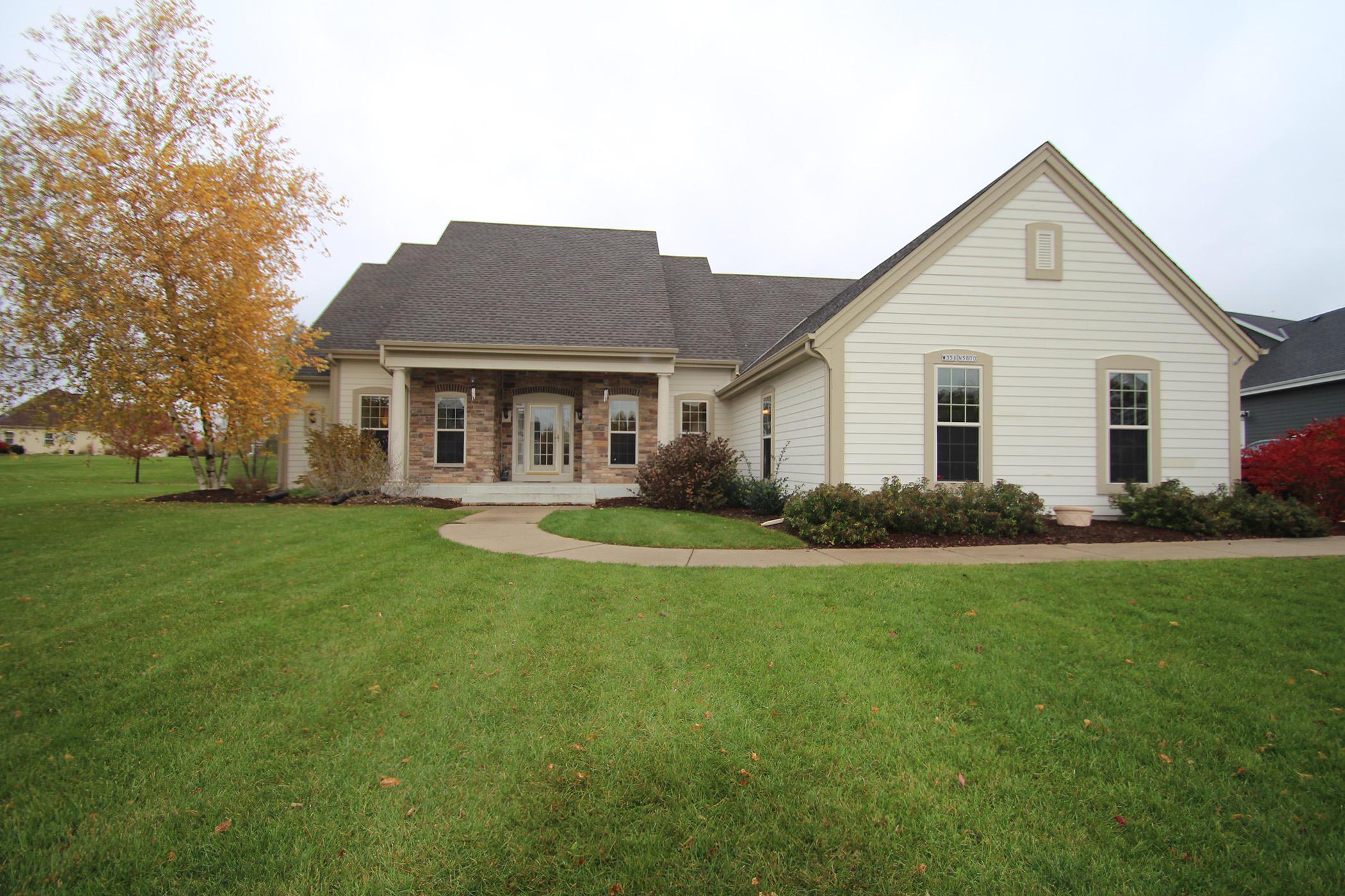 W351N5800 Westshore Rd, Oconomowoc, Wisconsin 53066, 3 Bedrooms Bedrooms, ,2 BathroomsBathrooms,Single-Family,For Sale,Westshore Rd,1612213