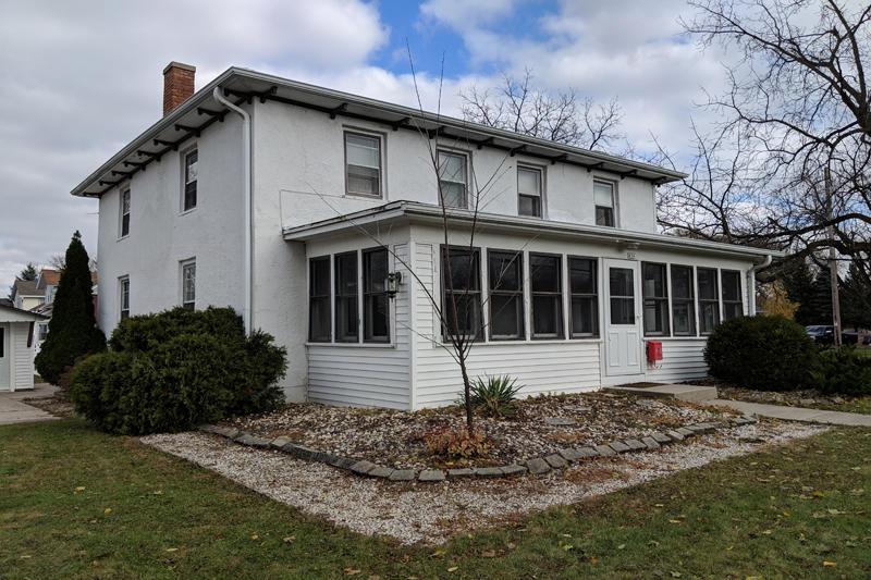 436 Summit Ave, Oconomowoc, Wisconsin 53066, 3 Bedrooms Bedrooms, 8 Rooms Rooms,1 BathroomBathrooms,Single-Family,For Sale,Summit Ave,1612335