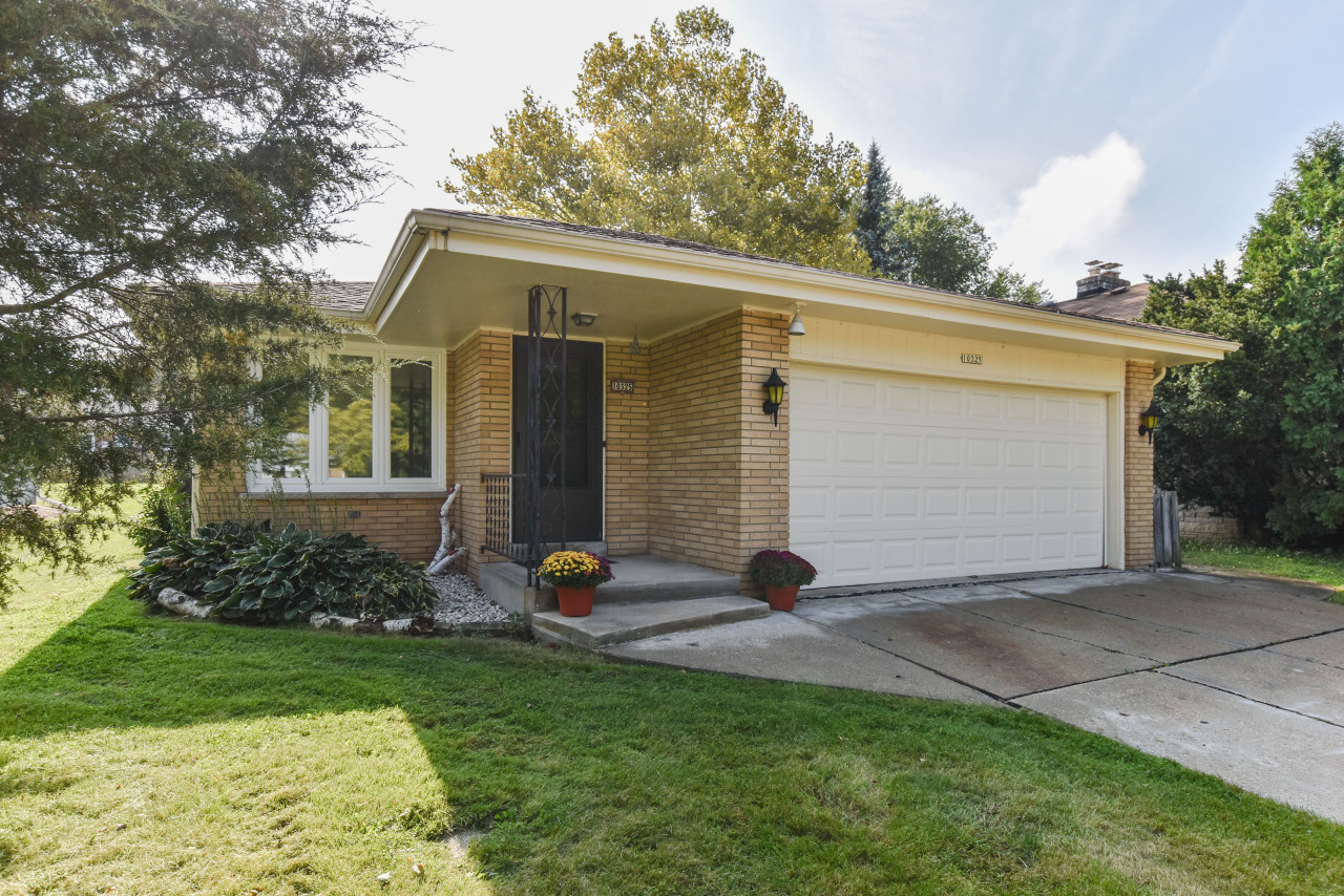 10325 W Hillside Ave Wauwatosa 53222 Sold Listing Mls