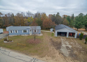 Property for sale at E2585 Southwood Dr, Waupaca,  WI 54981