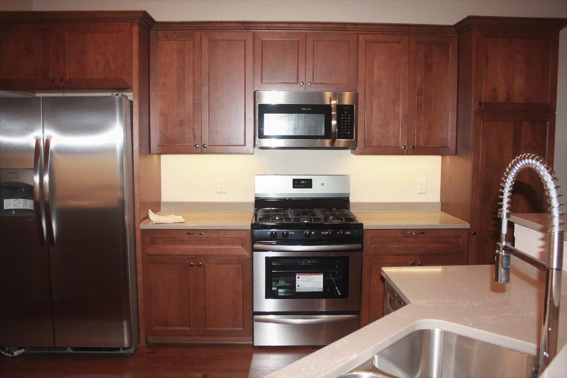 513 Memory Ln, Hartland, Wisconsin 53029, 3 Bedrooms Bedrooms, ,2 BathroomsBathrooms,Single-Family,For Sale,Memory Ln,1612803