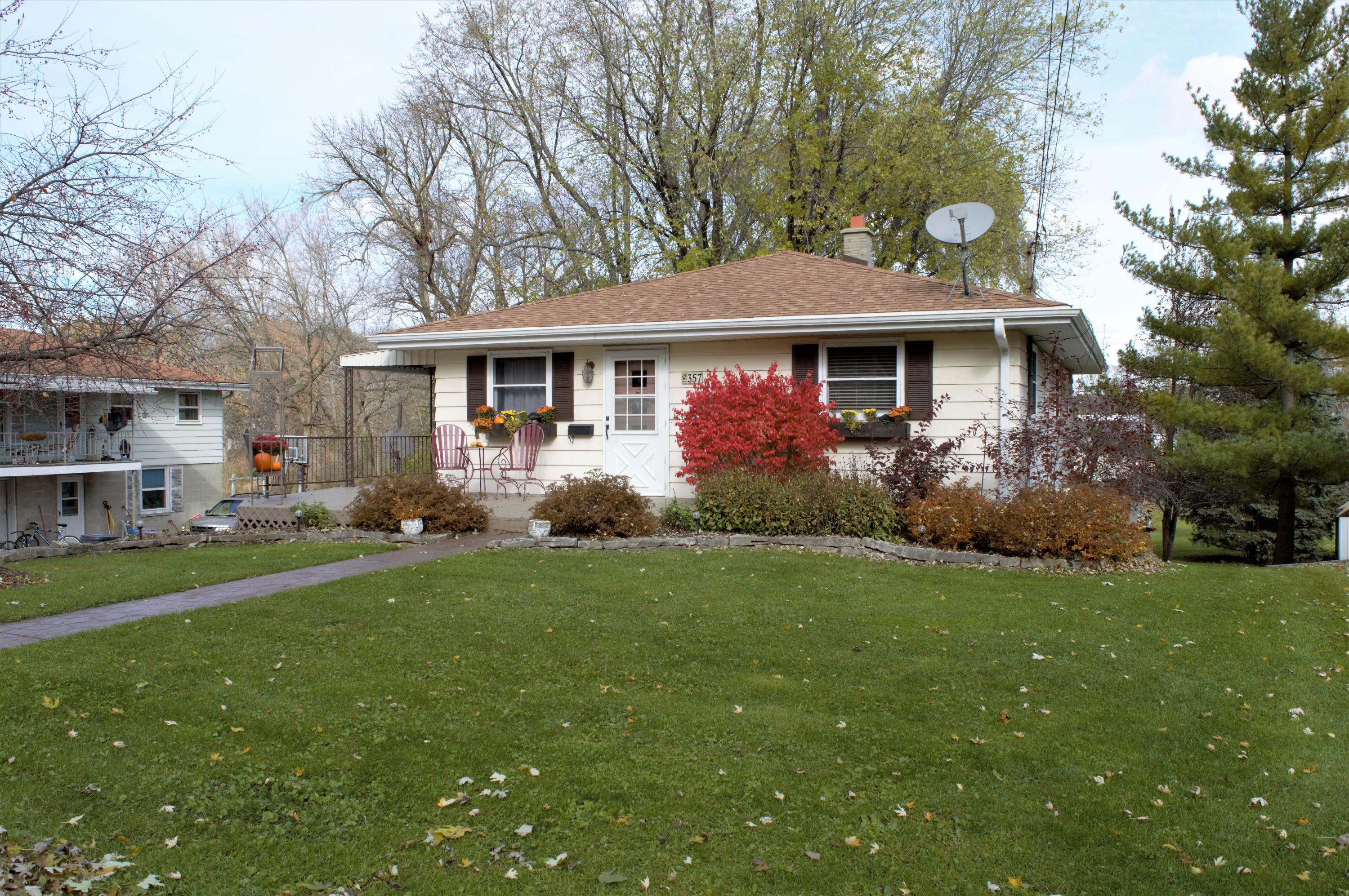 357 E Wisconsin Ave, Pewaukee, Wisconsin 53072, 3 Bedrooms Bedrooms, ,1 BathroomBathrooms,Single-Family,For Sale,E Wisconsin Ave,1613045