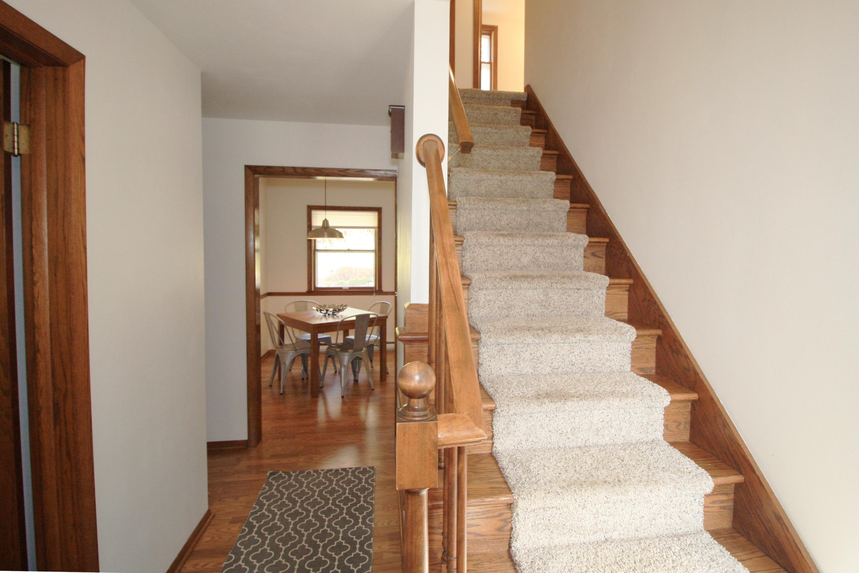 W284N814 Cherry Ln, Delafield, Wisconsin 53188, 4 Bedrooms Bedrooms, 9 Rooms Rooms,2 BathroomsBathrooms,Single-Family,For Sale,Cherry Ln,1613407