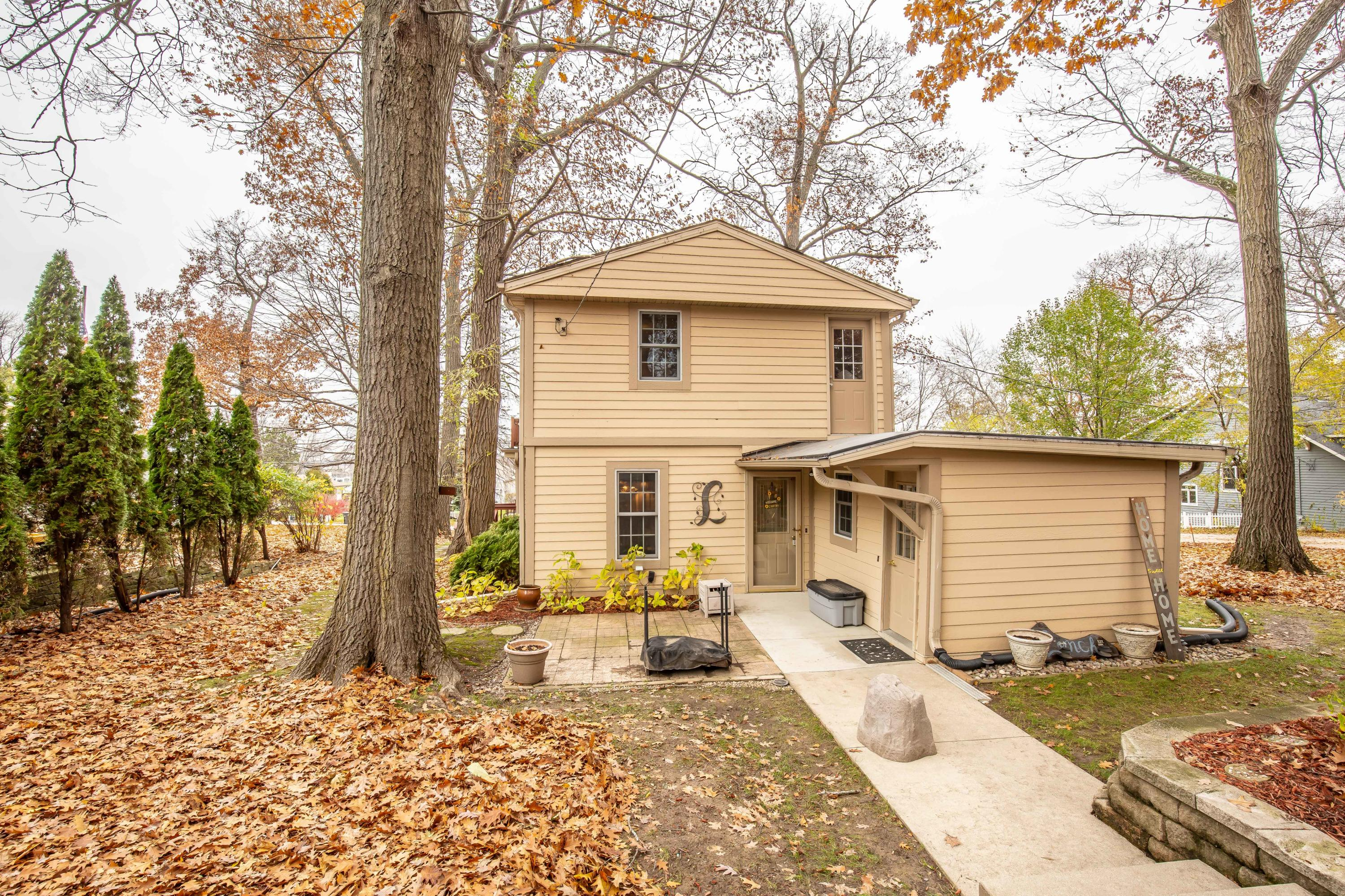 N27W27391 Woodland Dr, Pewaukee, Wisconsin 53072, 2 Bedrooms Bedrooms, 7 Rooms Rooms,2 BathroomsBathrooms,Single-Family,For Sale,Woodland Dr,1613849
