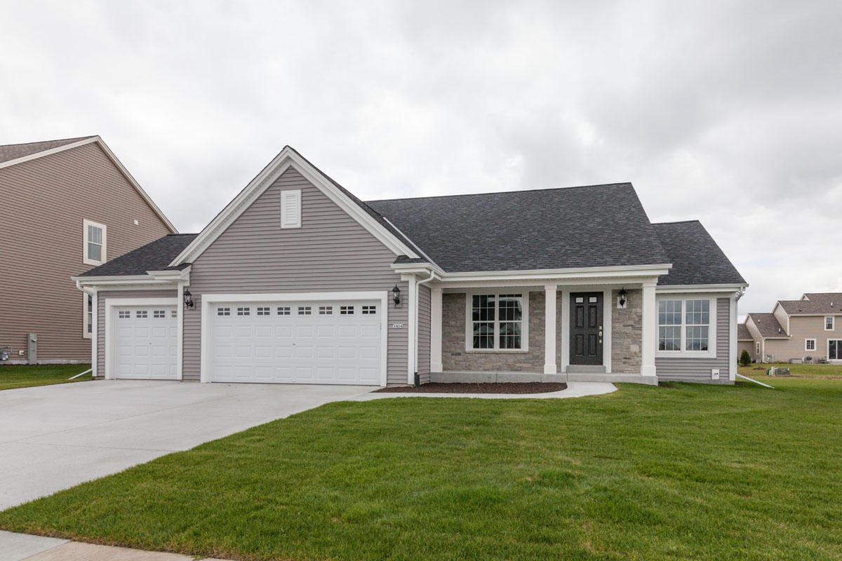 1404 Rosewood Pass, Oconomowoc, Wisconsin 53066, 3 Bedrooms Bedrooms, 6 Rooms Rooms,2 BathroomsBathrooms,Single-Family,For Sale,Rosewood Pass,1613869