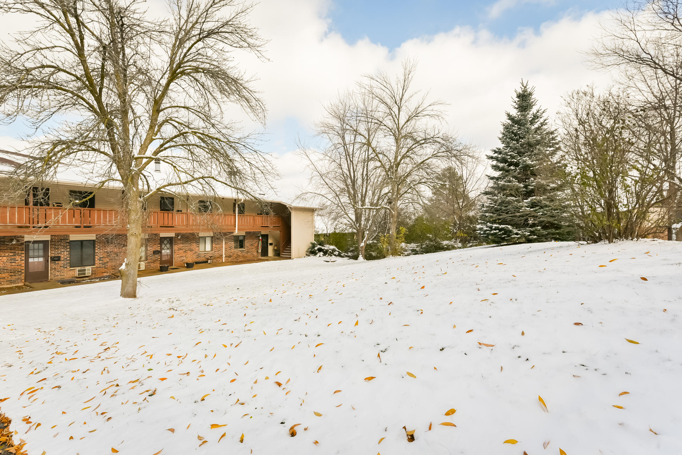 1356 Greenhedge Rd, Pewaukee, Wisconsin 53072, 2 Bedrooms Bedrooms, 4 Rooms Rooms,1 BathroomBathrooms,Condominiums,For Sale,Greenhedge Rd,2,1614238