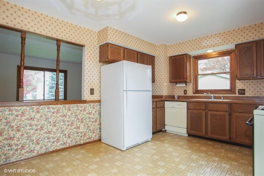 159 Willow Dr, Hartland, Wisconsin 53029, 4 Bedrooms Bedrooms, 7 Rooms Rooms,1 BathroomBathrooms,Single-Family,For Sale,Willow Dr,1614249