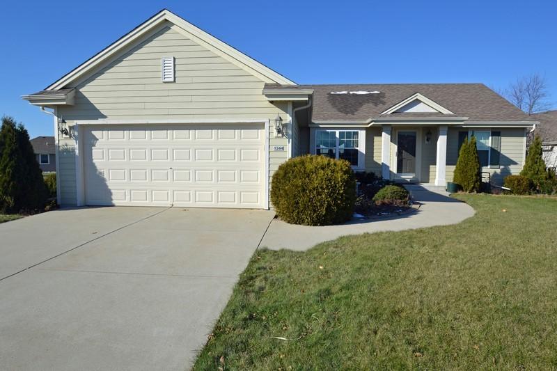 1344 Bluebird Ct, Oconomowoc, Wisconsin 53066, 3 Bedrooms Bedrooms, ,2 BathroomsBathrooms,Single-Family,For Sale,Bluebird Ct,1610948