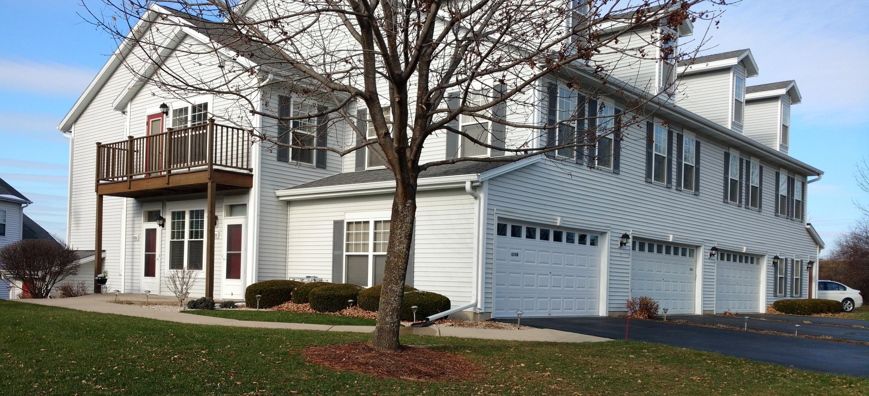 1210 Woodbury Cmn, Waukesha, Wisconsin 53189, 3 Bedrooms Bedrooms, 7 Rooms Rooms,3 BathroomsBathrooms,Condominiums,For Sale,Woodbury Cmn,1,1601057