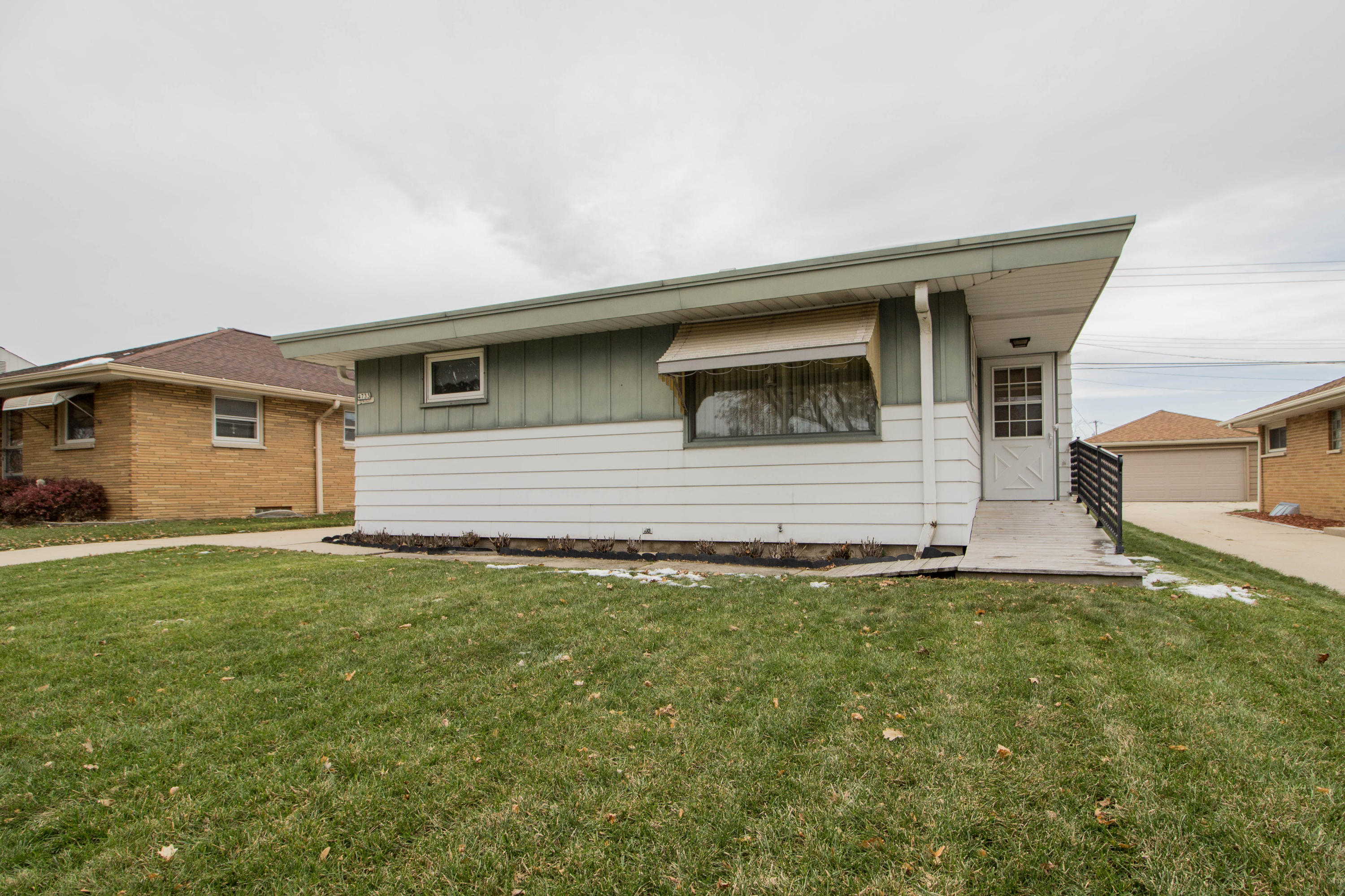 4733 25th St, Milwaukee, Wisconsin 53221, 3 Bedrooms Bedrooms, 5 Rooms Rooms,2 BathroomsBathrooms,Single-Family,For Sale,25th St,1614573