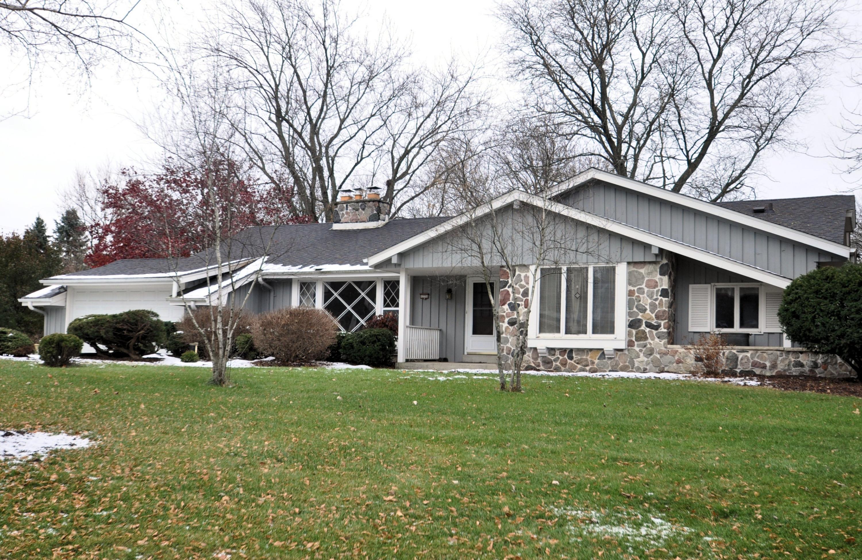 12755 Stephen PL, Elm Grove, Wisconsin 53122, 4 Bedrooms Bedrooms, 9 Rooms Rooms,2 BathroomsBathrooms,Single-Family,For Sale,Stephen PL,1614579