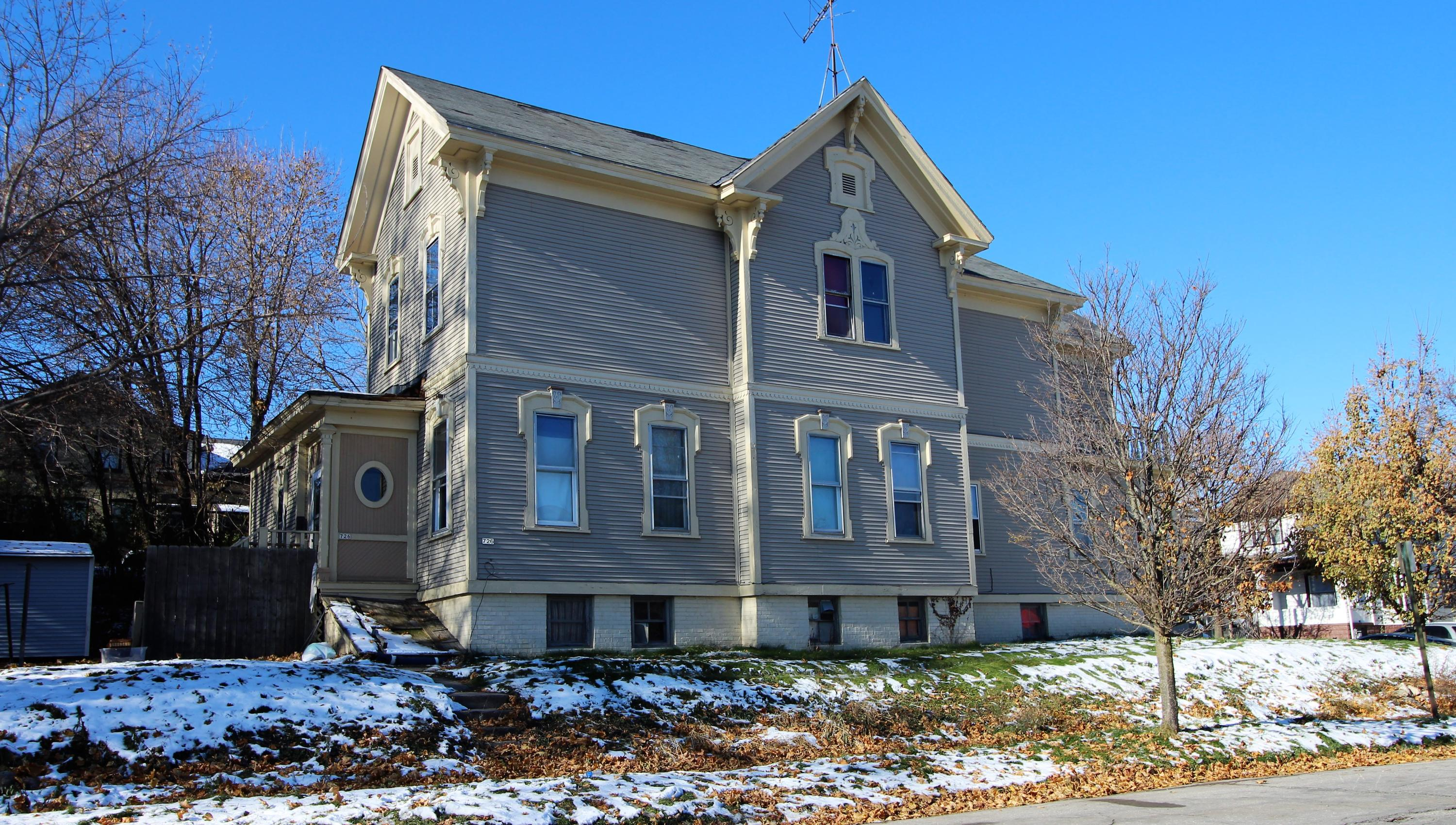 325 Wisconsin AVE, Sheboygan, Wisconsin 53081, ,Multi-Family Investment,For Sale,Wisconsin AVE,1614567