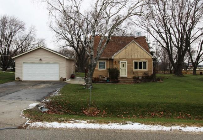 17122 50th Rd, Yorkville, Wisconsin 53126, 3 Bedrooms Bedrooms, ,1 BathroomBathrooms,Single-Family,For Sale,50th Rd,1614591