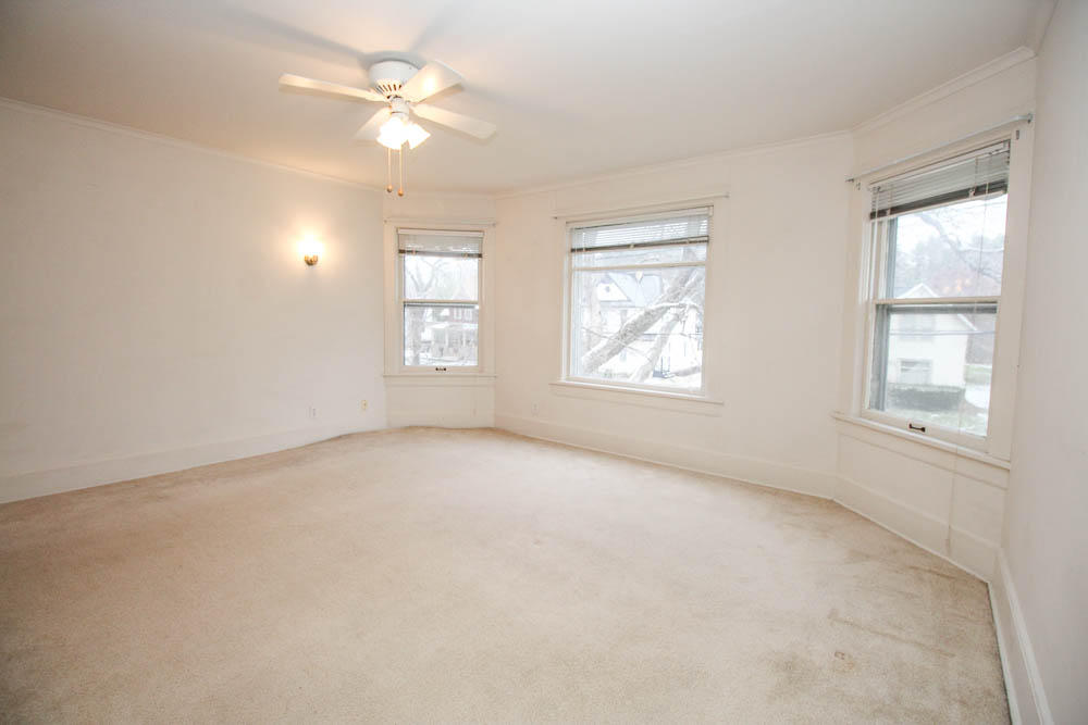 211 Maple Ave, Hartland, Wisconsin 53029, 3 Bedrooms Bedrooms, 8 Rooms Rooms,1 BathroomBathrooms,Single-Family,For Sale,Maple Ave,1614614