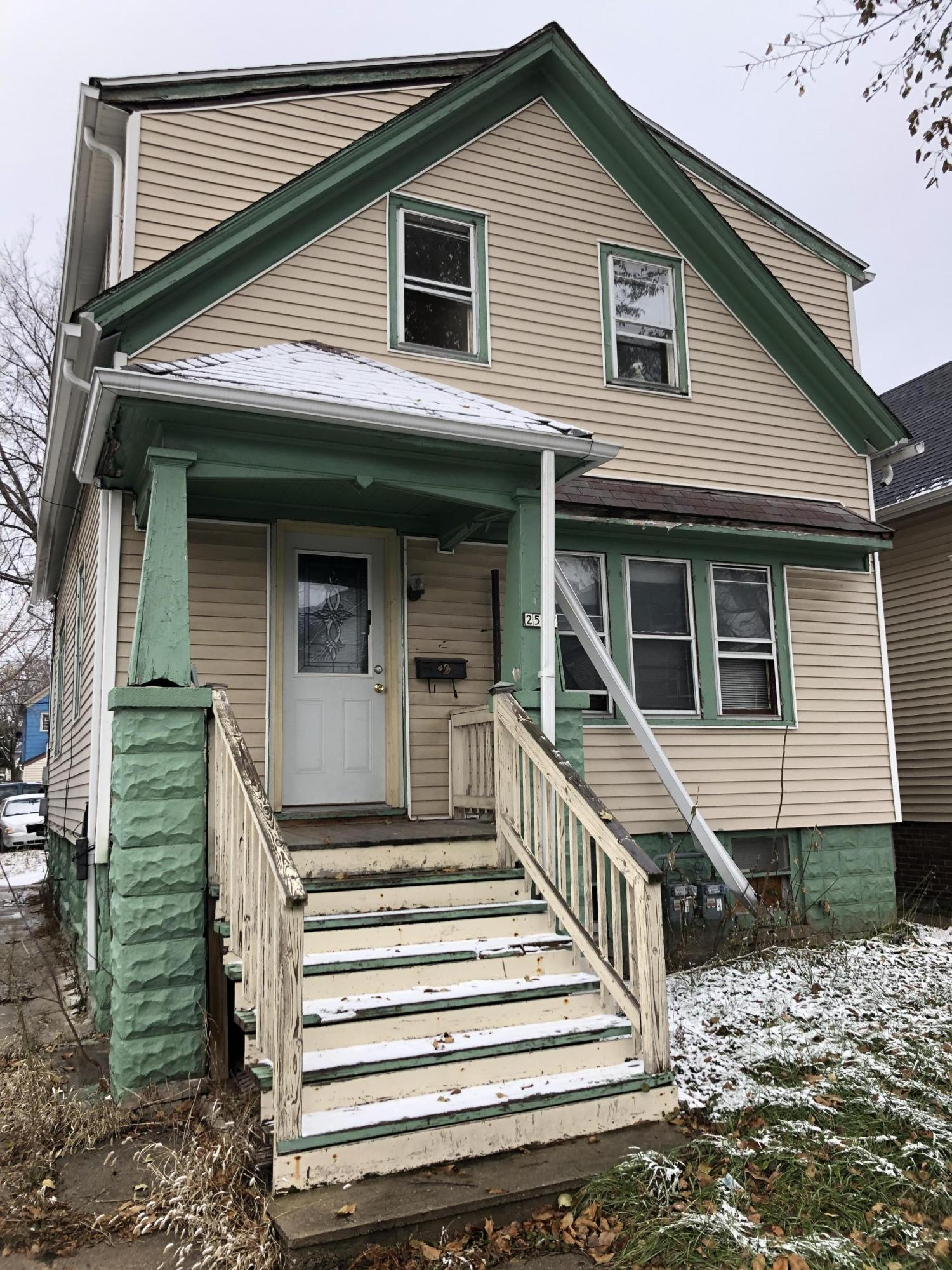 2527 11th, Milwaukee, Wisconsin 53215, 2 Bedrooms Bedrooms, 5 Rooms Rooms,1 BathroomBathrooms,Two-Family,For Sale,11th,1,1614592