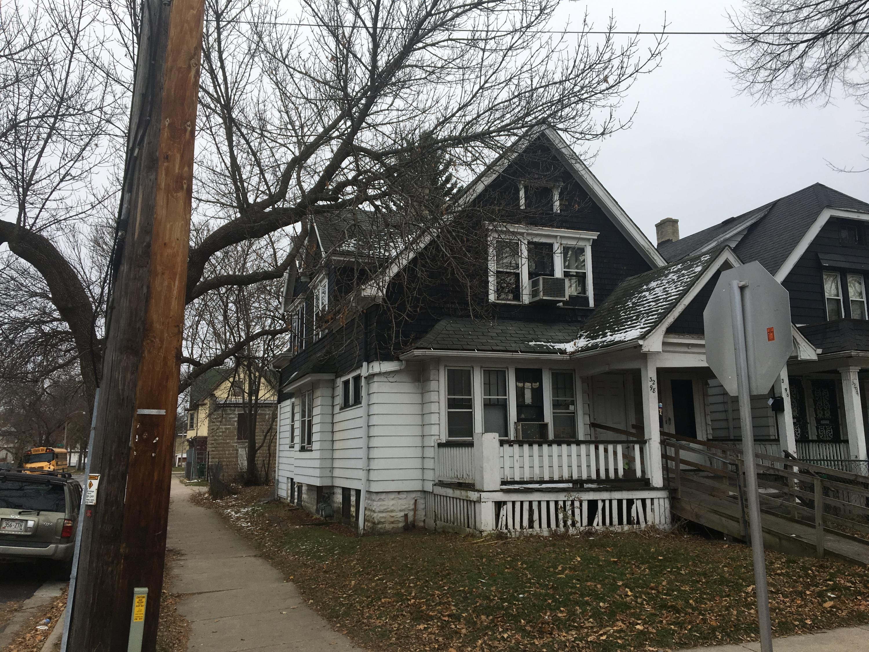 3296 13th St, Milwaukee, Wisconsin 53206, 2 Bedrooms Bedrooms, 5 Rooms Rooms,1 BathroomBathrooms,Two-Family,For Sale,13th St,1,1614629