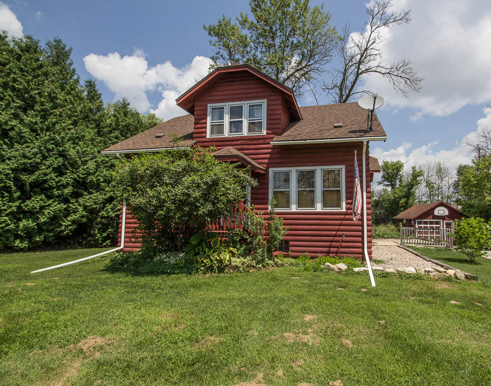 933 Wisconsin Ave, Pewaukee, Wisconsin 53072, 4 Bedrooms Bedrooms, 8 Rooms Rooms,1 BathroomBathrooms,Single-Family,For Sale,Wisconsin Ave,1614776