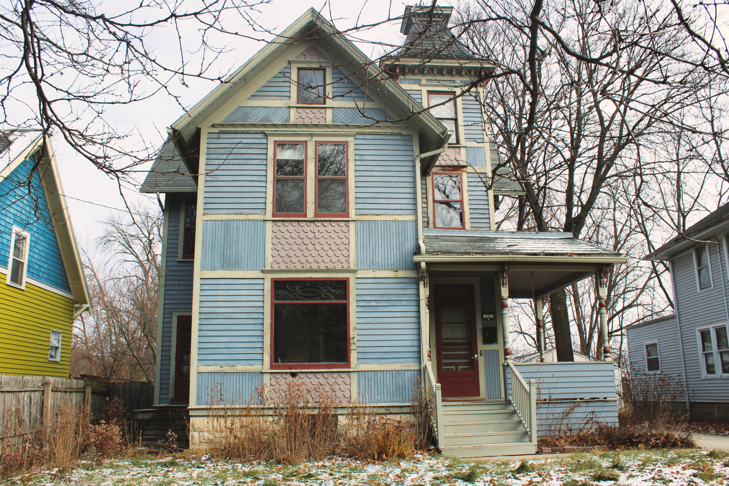 127 Randall St, Waukesha, Wisconsin 53188, 5 Bedrooms Bedrooms, 10 Rooms Rooms,1 BathroomBathrooms,Single-Family,For Sale,Randall St,1615312