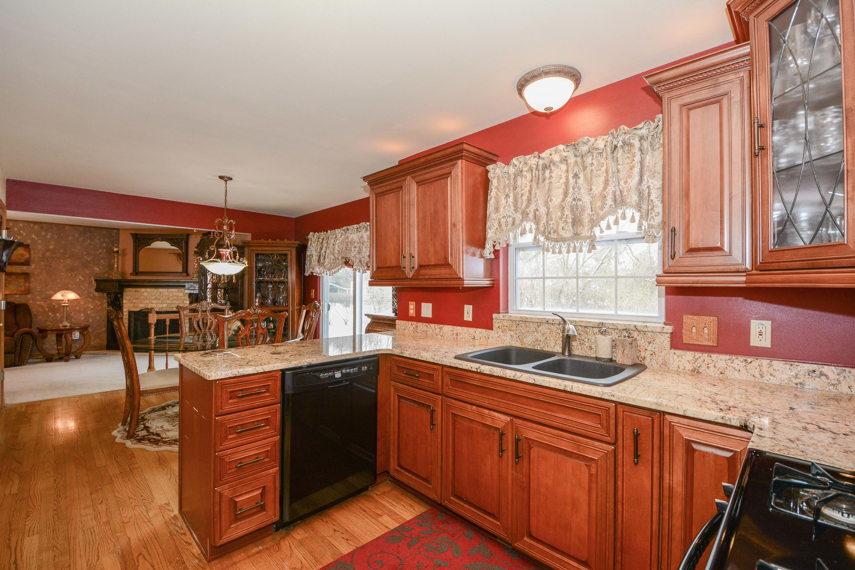 1808 Wexford Ln, Waukesha, Wisconsin 53186, 4 Bedrooms Bedrooms, 7 Rooms Rooms,2 BathroomsBathrooms,Single-Family,For Sale,Wexford Ln,1615301