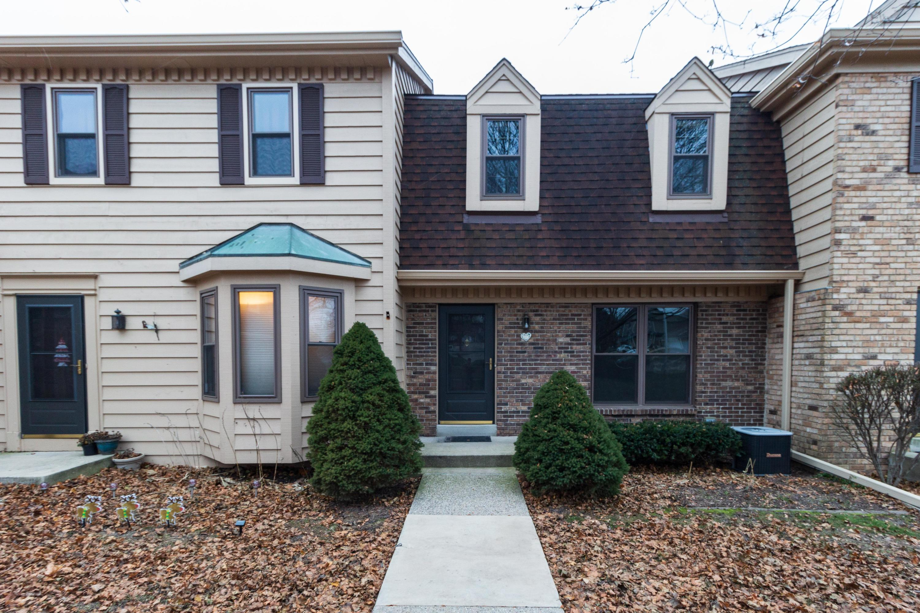 384 Willow Grove Dr, Pewaukee, Wisconsin 53072, 2 Bedrooms Bedrooms, 5 Rooms Rooms,1 BathroomBathrooms,Condominiums,For Sale,Willow Grove Dr,1,1615171