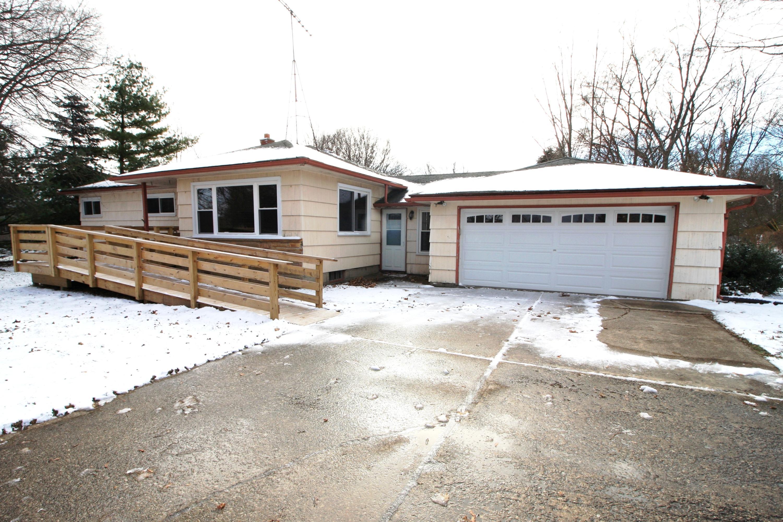 W223S3081 Racine Ave, Waukesha, Wisconsin 53186, 3 Bedrooms Bedrooms, 7 Rooms Rooms,1 BathroomBathrooms,Single-Family,For Sale,Racine Ave,1615363
