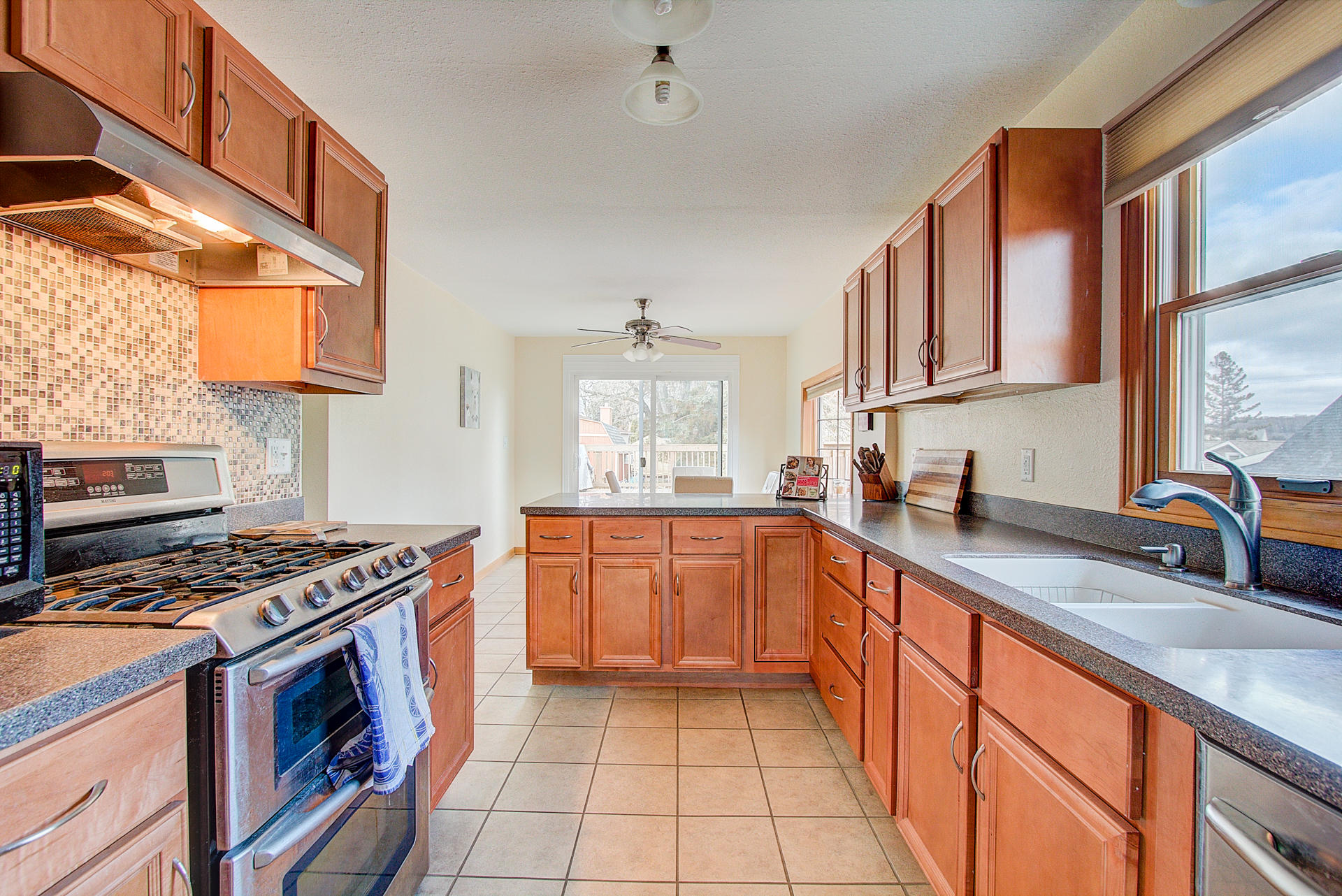 1525 3rd St, Delafield, Wisconsin 53018, 3 Bedrooms Bedrooms, 5 Rooms Rooms,1 BathroomBathrooms,Single-Family,For Sale,3rd St,1615418