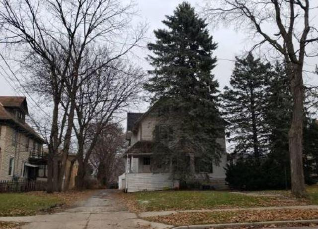 413 West Ave, Waukesha, Wisconsin 53186, 2 Bedrooms Bedrooms, 6 Rooms Rooms,1 BathroomBathrooms,Two-Family,For Sale,West Ave,1,1615427
