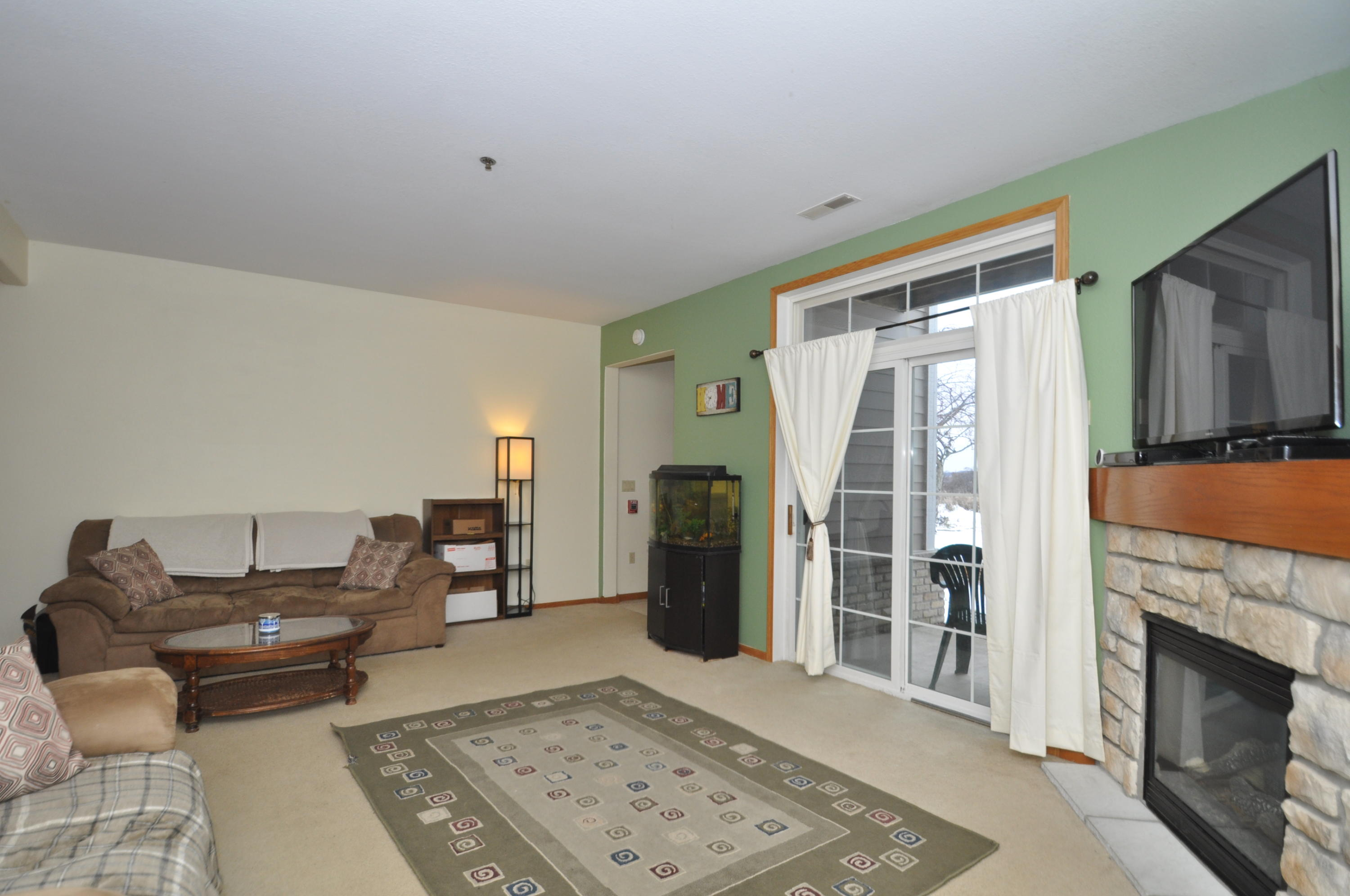 1046 River Place Blvd, Waukesha, Wisconsin 53189, 2 Bedrooms Bedrooms, ,2 BathroomsBathrooms,Condominiums,For Sale,River Place Blvd,1,1615450