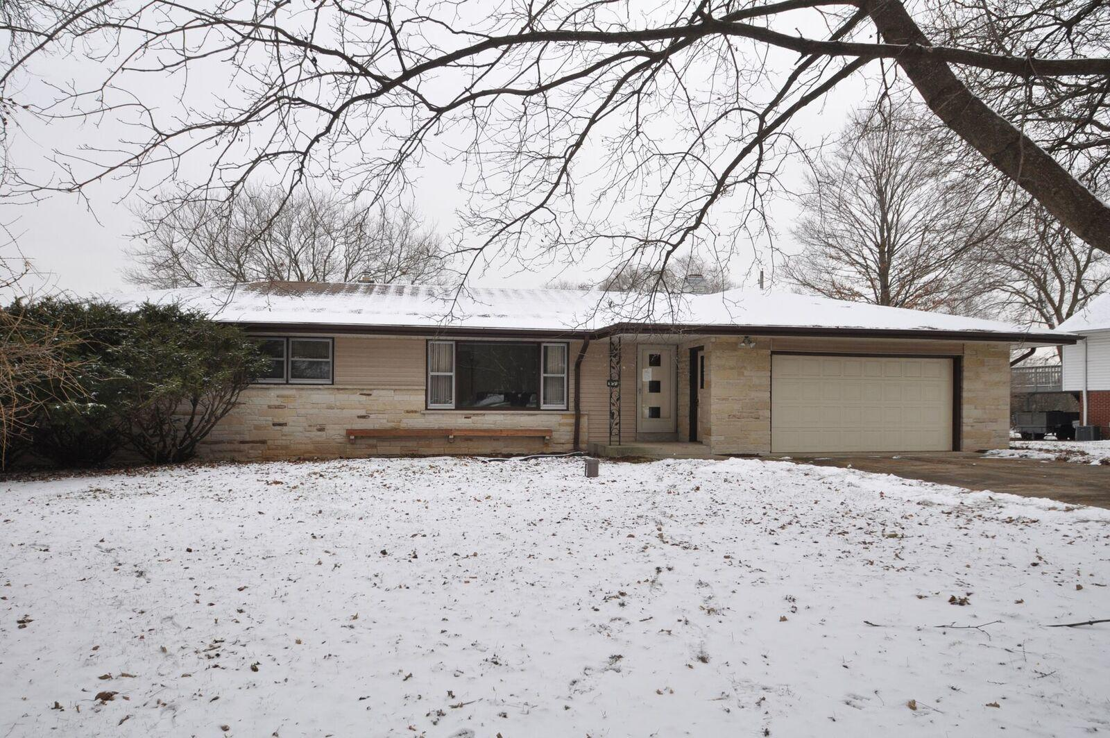 3840 Glen Echo Dr, Brookfield, Wisconsin 53005, 3 Bedrooms Bedrooms, ,1 BathroomBathrooms,Single-Family,For Sale,Glen Echo Dr,1615657