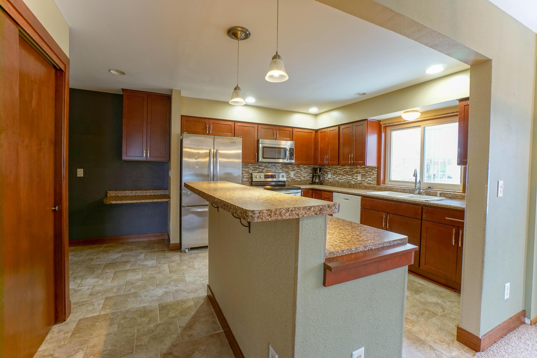 224 Joellen Dr, Waukesha, Wisconsin 53188, 3 Bedrooms Bedrooms, 7 Rooms Rooms,2 BathroomsBathrooms,Condominiums,For Sale,Joellen Dr,1,1615553
