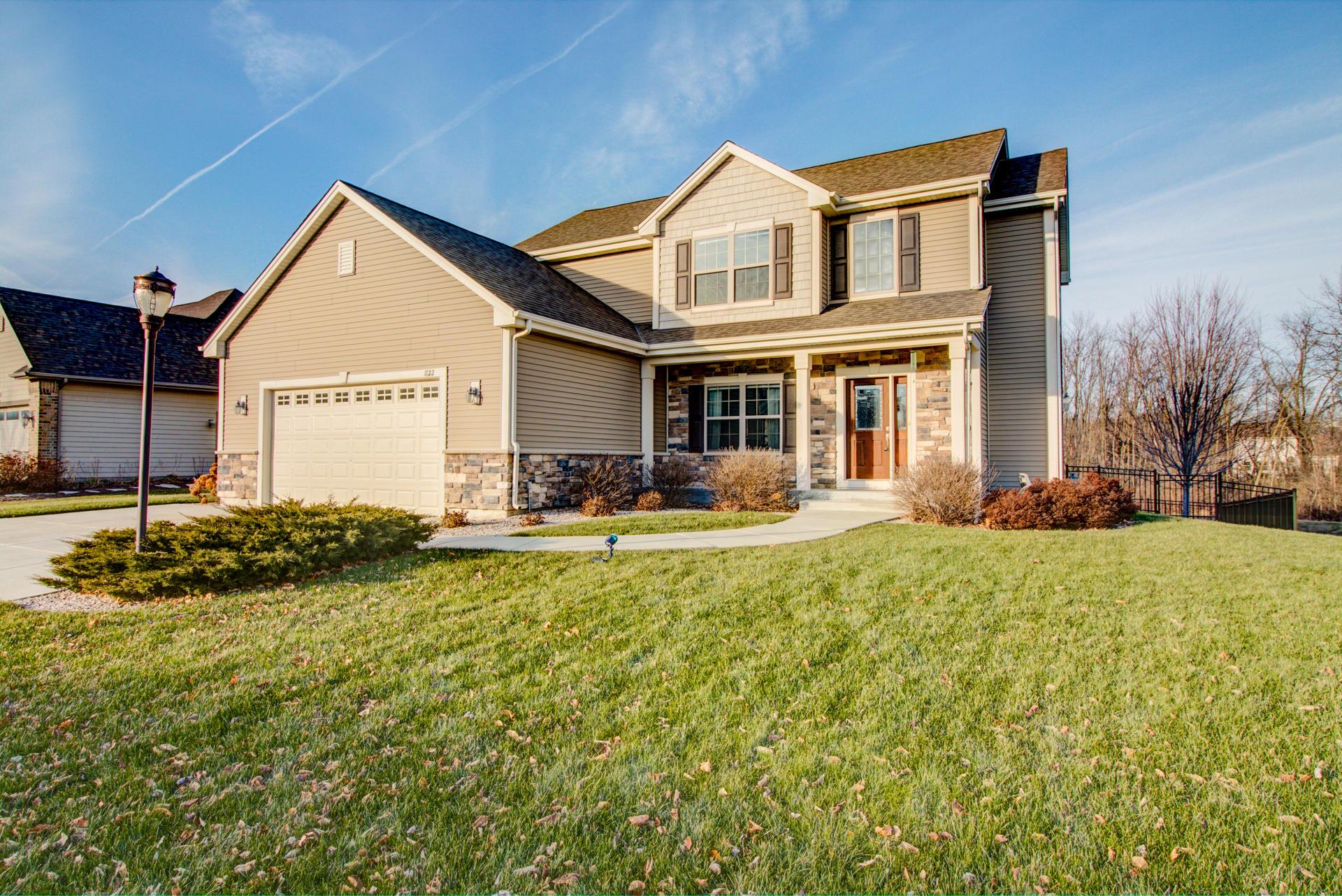 1822 Rockridge Way, Waukesha, Wisconsin 53188, 4 Bedrooms Bedrooms, 9 Rooms Rooms,2 BathroomsBathrooms,Single-Family,For Sale,Rockridge Way,1615601