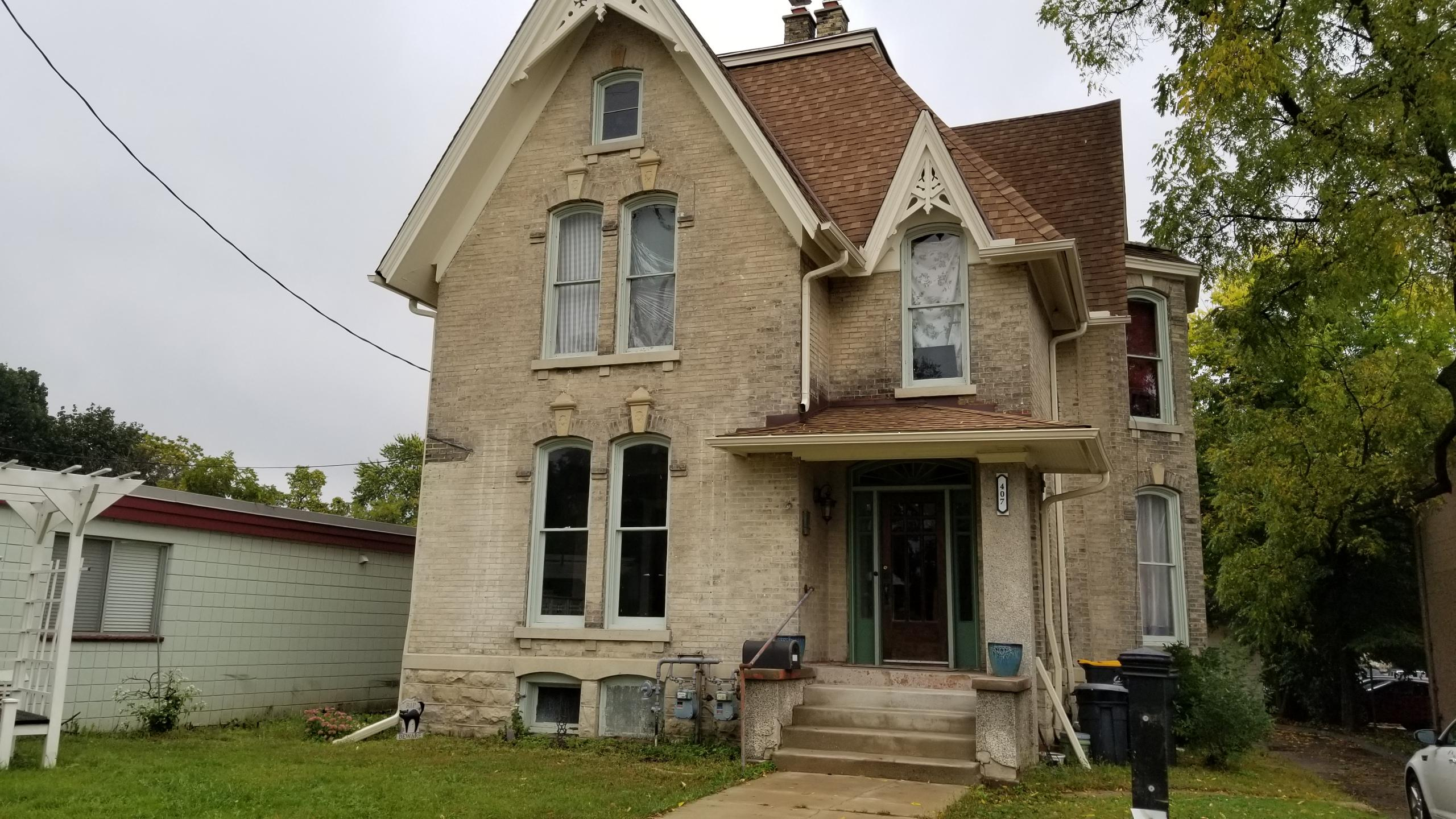 407 Grand Ave, Waukesha, Wisconsin 53186, 3 Bedrooms Bedrooms, ,1 BathroomBathrooms,Single-Family,For Sale,Grand Ave,1615648