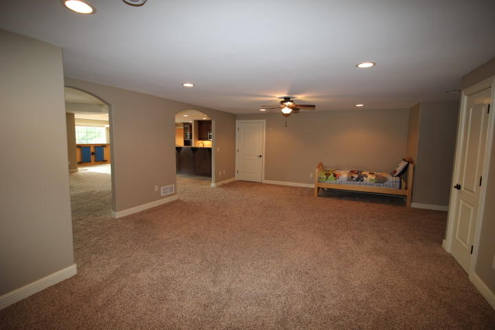1241 Mary Hill Cir, Hartland, Wisconsin 53029, 6 Bedrooms Bedrooms, 15 Rooms Rooms,4 BathroomsBathrooms,Single-Family,For Sale,Mary Hill Cir,1615679