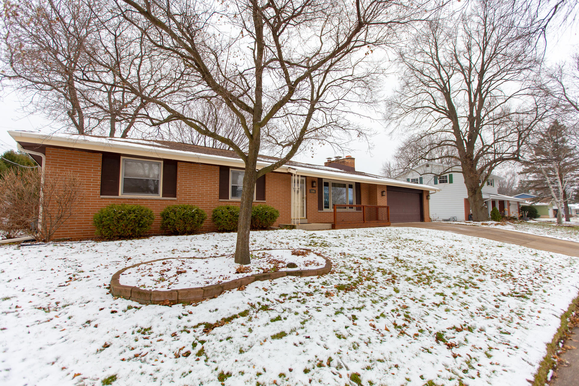 1505 Dixie Dr, Waukesha, Wisconsin 53189, 4 Bedrooms Bedrooms, 8 Rooms Rooms,1 BathroomBathrooms,Single-Family,For Sale,Dixie Dr,1615771