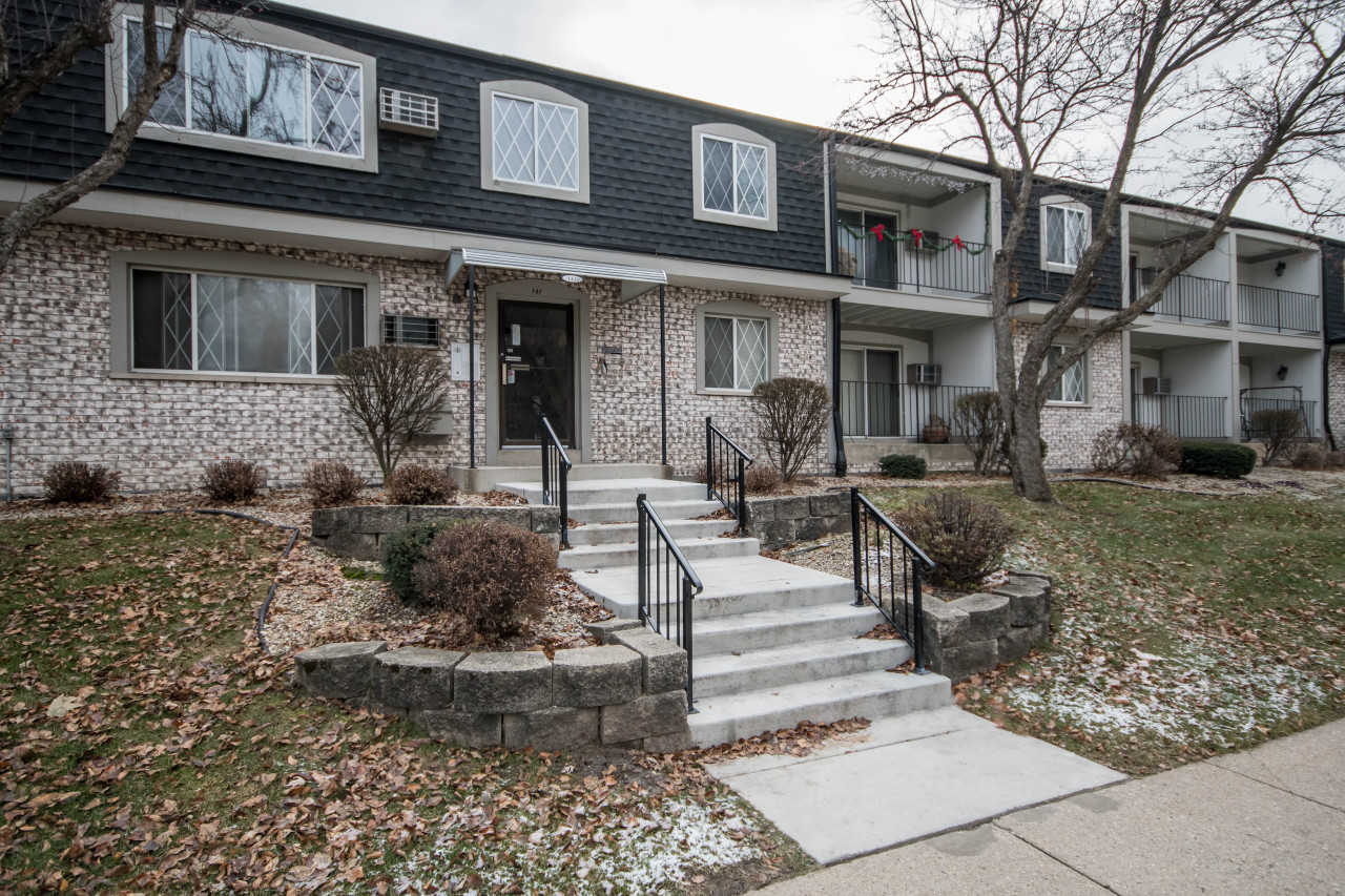 141 North St, Waukesha, Wisconsin 53188, 1 Bedroom Bedrooms, 4 Rooms Rooms,1 BathroomBathrooms,Condominiums,For Sale,North St,2,1616072