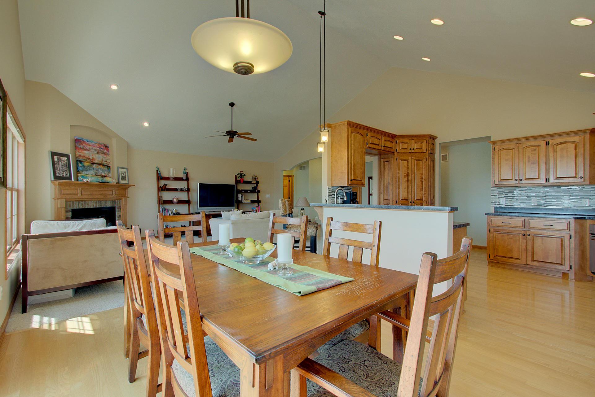 1701 Rockridge Way, Waukesha, Wisconsin 53188, 5 Bedrooms Bedrooms, ,3 BathroomsBathrooms,Single-Family,For Sale,Rockridge Way,1616168