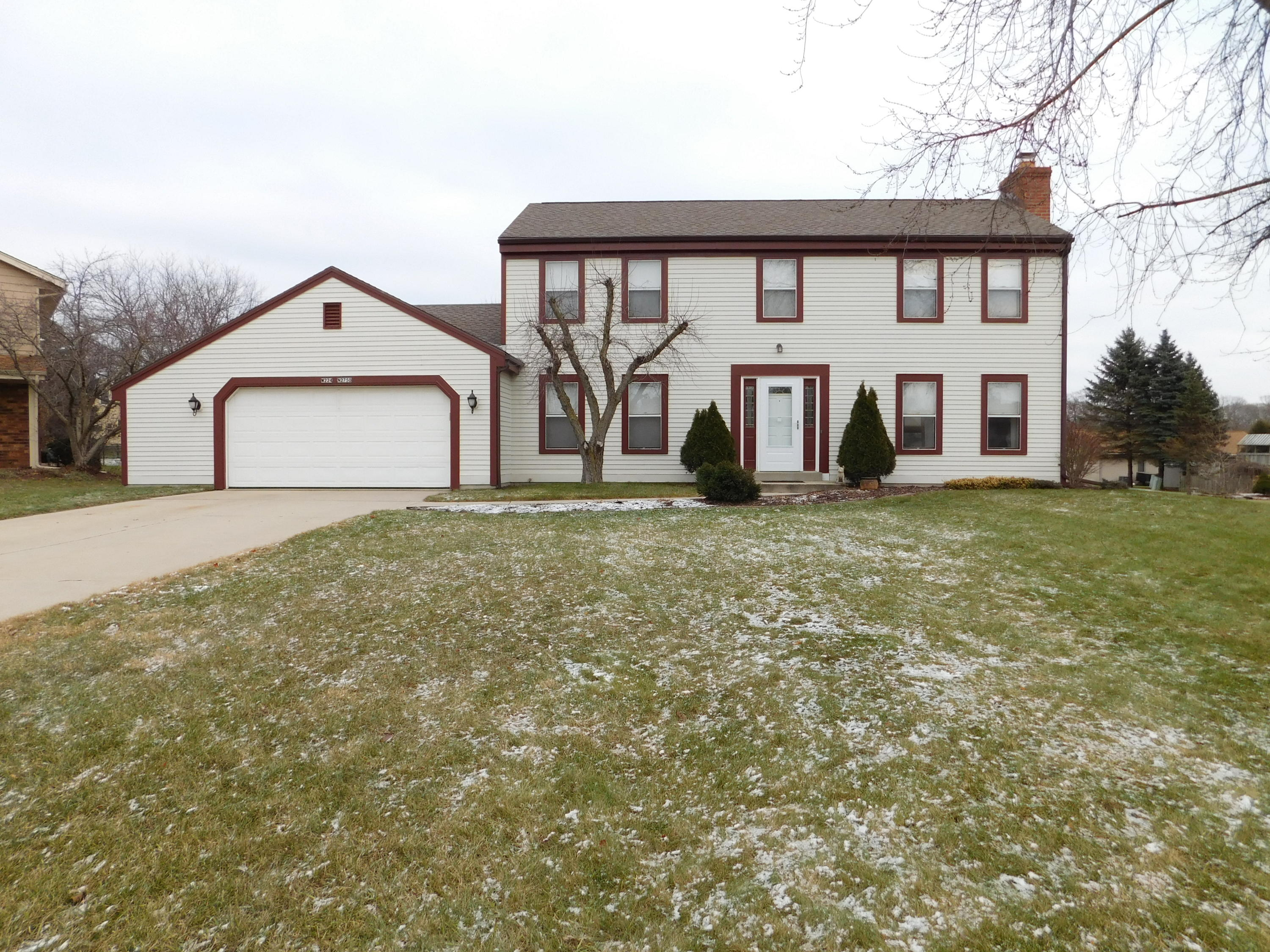 W224N2750 Burwood Ct, Pewaukee, Wisconsin 53186, 4 Bedrooms Bedrooms, 8 Rooms Rooms,2 BathroomsBathrooms,Single-Family,For Sale,Burwood Ct,1616197