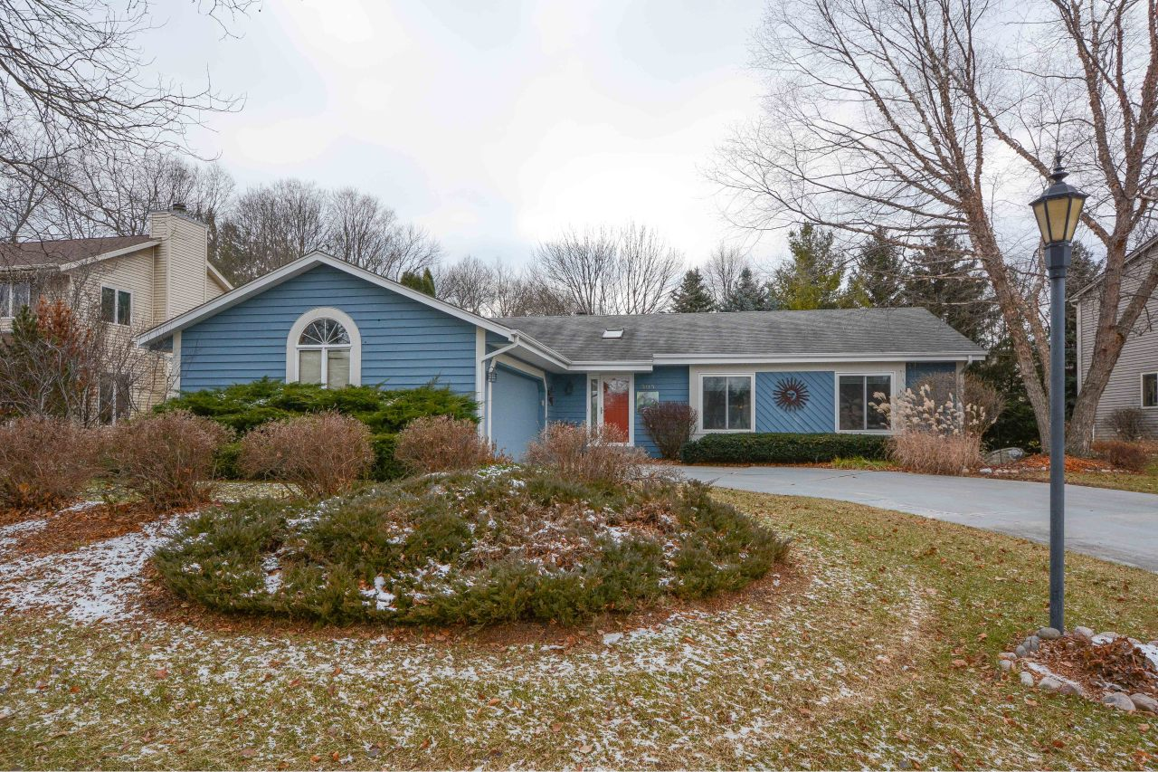 505 Quinlan Dr, Pewaukee, Wisconsin 53072, 3 Bedrooms Bedrooms, 8 Rooms Rooms,2 BathroomsBathrooms,Single-Family,For Sale,Quinlan Dr,1616245