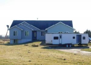 613 S Hoff Rd, Marinette, WI 54449
