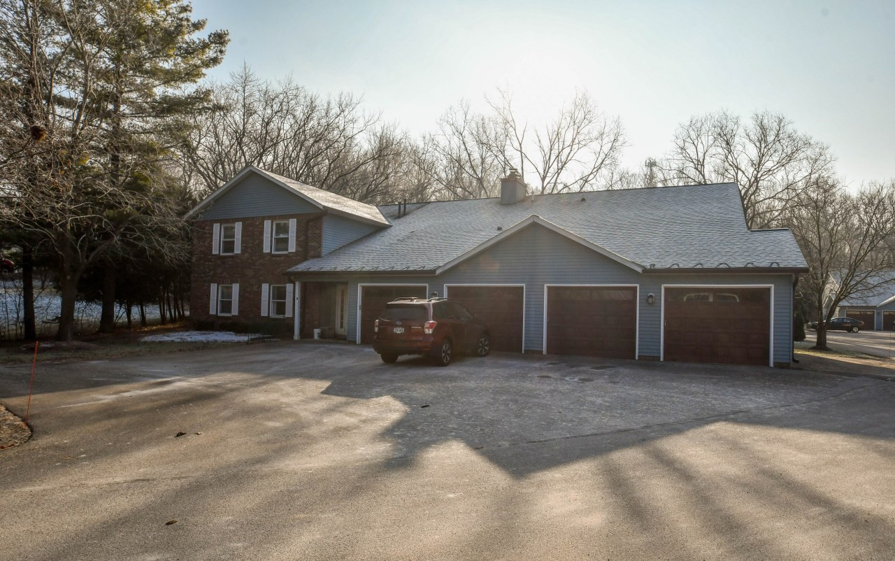 322 Riverview Dr, Delafield, Wisconsin 53018, 2 Bedrooms Bedrooms, 5 Rooms Rooms,2 BathroomsBathrooms,Condominiums,For Sale,Riverview Dr,1,1616467